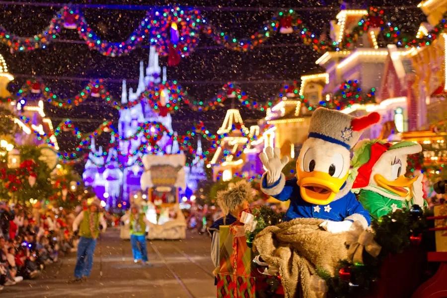 12 Must-do Holiday Experiences at Walt Disney World This Season