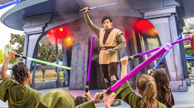 5 Not-To-Be-Missed Star Wars Experiences at Disneyland