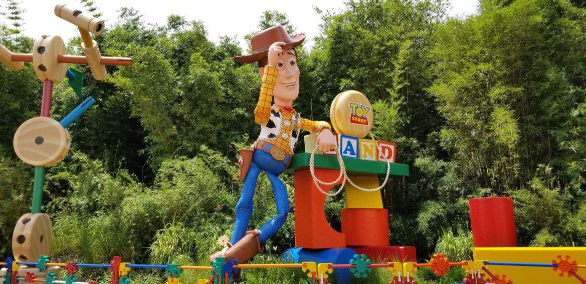 7 Ways to Unleash Your Inner Child at Toy Story Land!