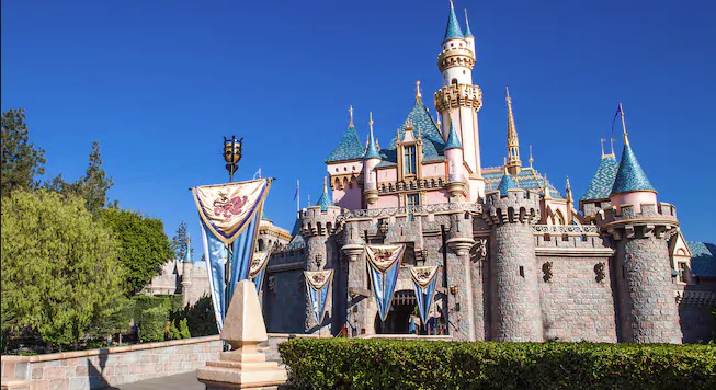 Magical Must Do's While Visiting At Disneyland