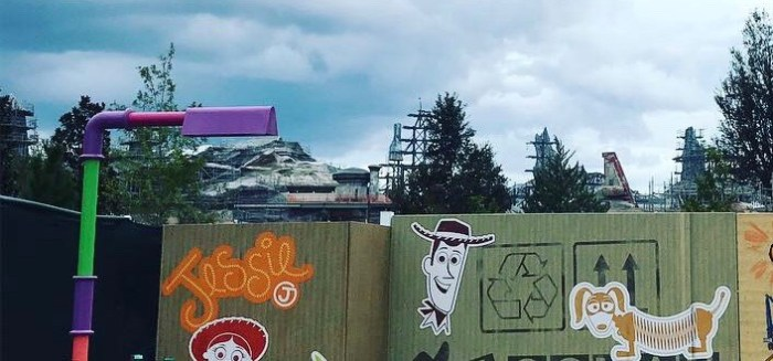 Peek into Star Wars land in WDW