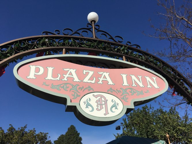 5 Great Places to Grab Breakfast at the Disneyland Resort 2