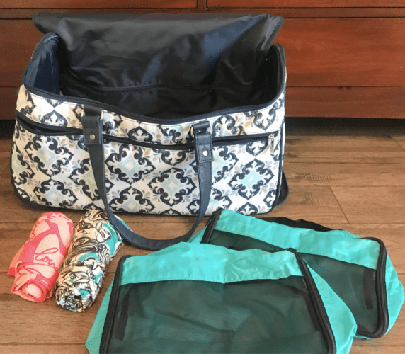 Suitcase and Packing cubes