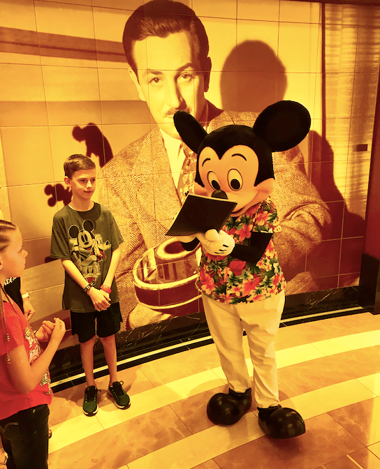 Cruise Casual Mickey
