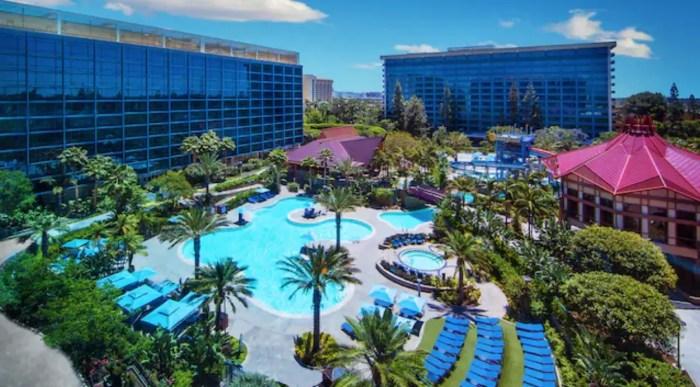 Disneyland Hotel Pool Five Reasons June Disneyland Resort