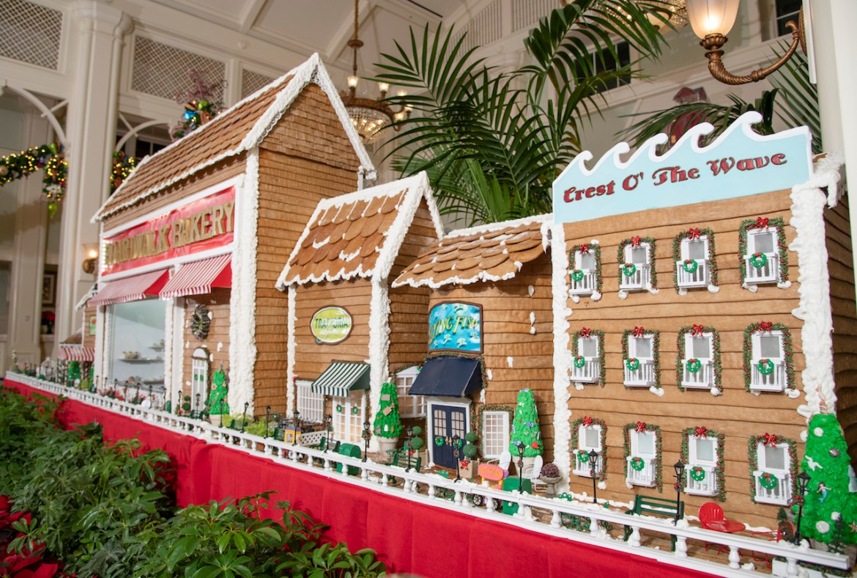 Walt Disney World's Christmas Gingerbread Creations
