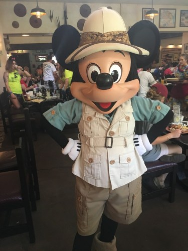 Reasons Why A Character Meal is a Great Idea On Your Disney Vacation 5