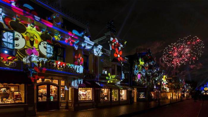 Watch Your Favorite Disneyland Nighttime Shows From Home 4