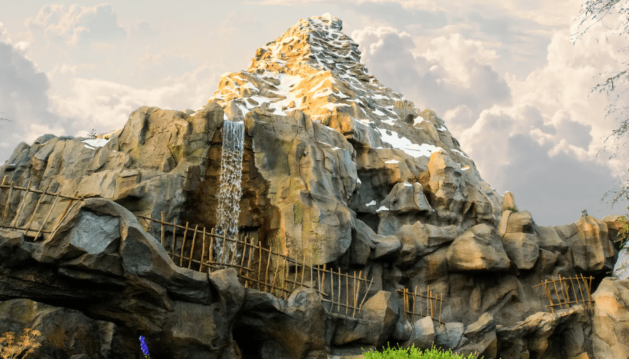 Top 10 Things Not to Miss at Disneyland this Summer