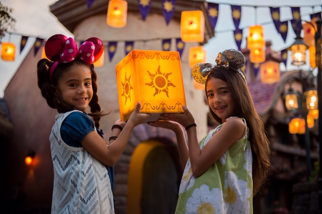 How to do a Disney Family Vacation with a Large Travel Group 3