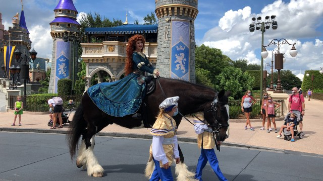 Is Disney World still decorating for Halloween this year? 1