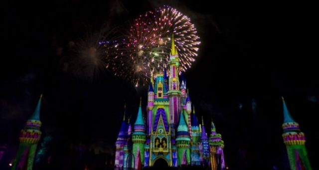 What's the Difference Between Disney Very Merriest After Hours & Mickey's Very Merry Christmas Party? 4