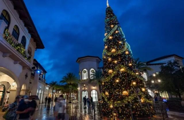 Celebrate the Holidays at Walt Disney World starting November 12th 7