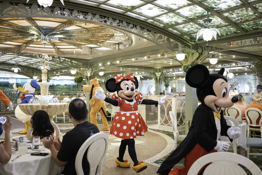 Disney Cruise Line offers Enchanting Entertainment for families 4