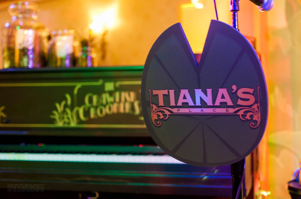 Review Tianas Place Dinner Show Featuring The Crawfish