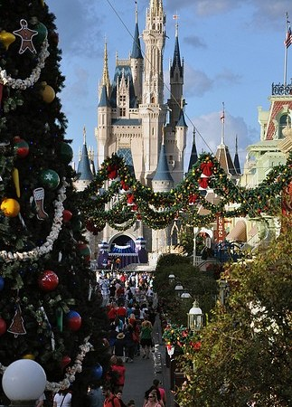 Christmas In July Disney World.Christmas In July Is Disneyland And Disney World S Next