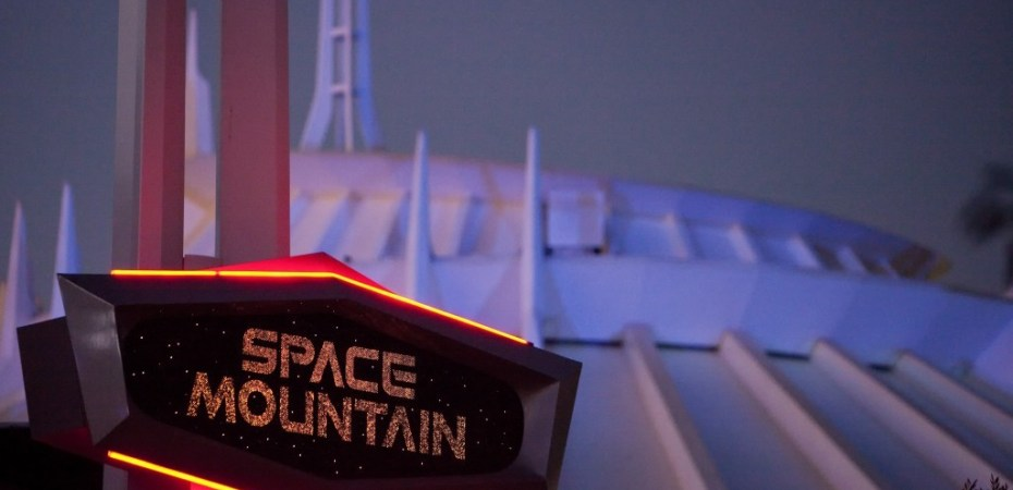 12 fun facts about space mountain at disneyland disney world