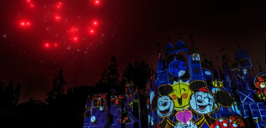 """5fd11f179e4 """"Mickey s Mix Magic"""" lights up the night at Disneyland Park with a new high"""