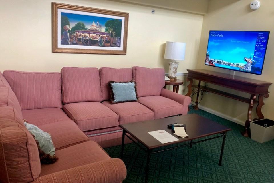 BoardWalk Cottage - living room