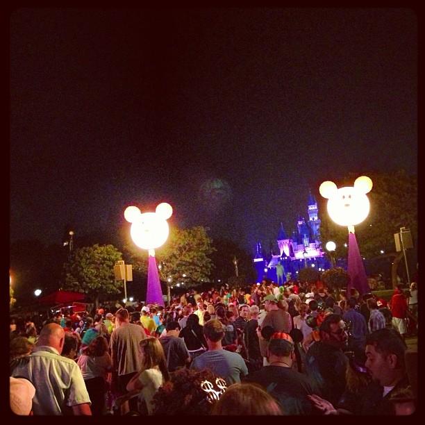 Disneyland Halloween Time Hub