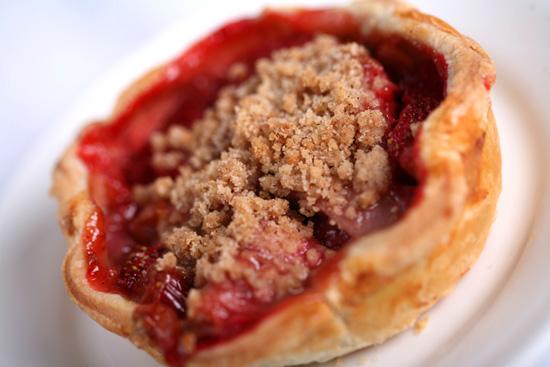 Flos V8 Cafe Cherry Pie 2