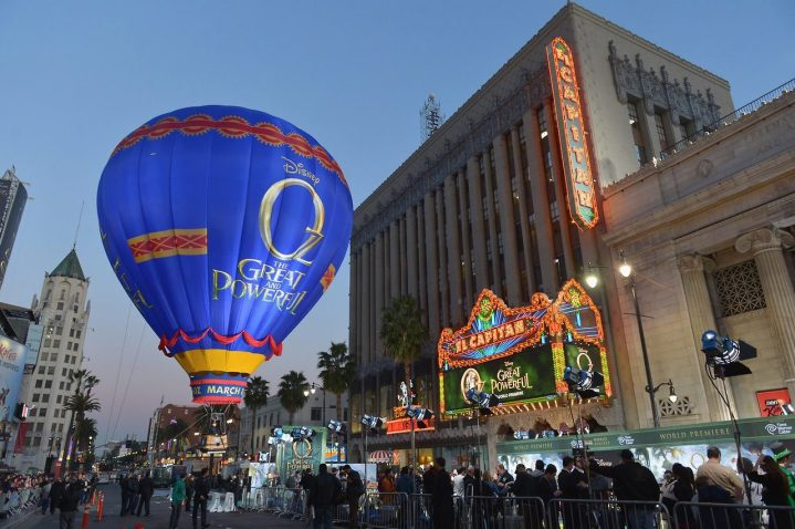 Oz The Great And Powerful World Premiere El Capitan Theatre Hot Air Balloon