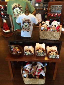 Disney Aulani Resort And Spa Oahu Hawaii Christmas Holiday Souvenirs