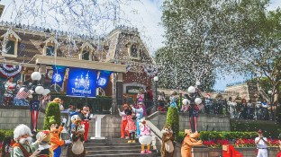 """After a singing of """"Happy Birthday"""" to Disneyland, the Mayor of Main St. announced the Disneyland Diamond Celebration for next year and its logo!"""