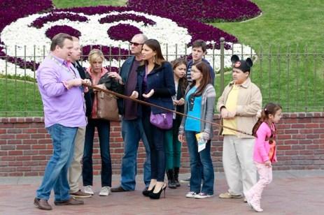 Full Cast Modern Family Disneyland Episode