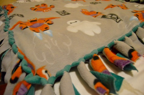 DIY Baymax Blanket 3