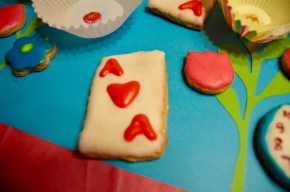 Alice Through The Looking Glass Cookies DisneyExaminer 12