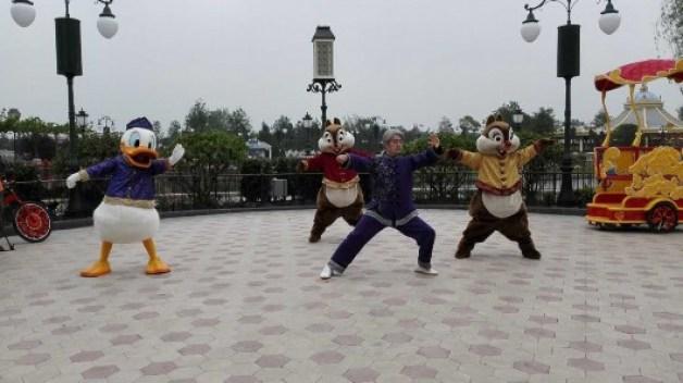 donald-duck-shanghai-disney-tai-chi