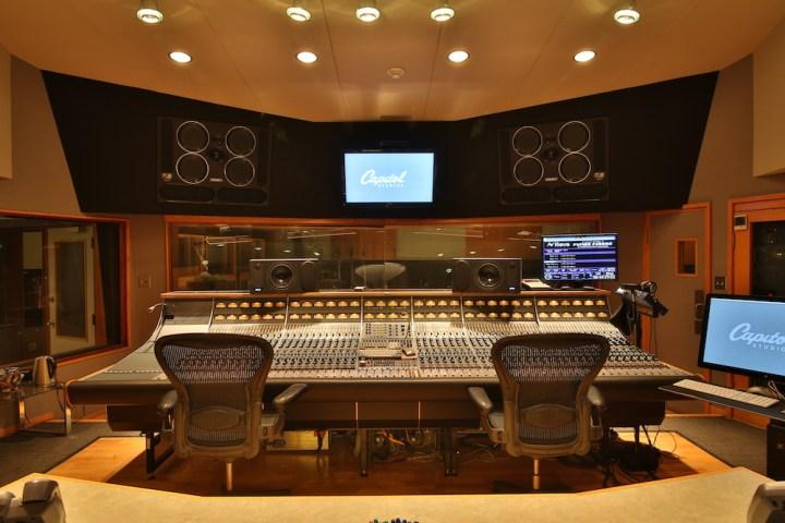 Captiol Studios DisneyExaminer Tour 6