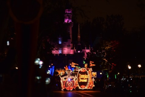 Main Street Electrical Parade Disneyland Premiere 2017 1
