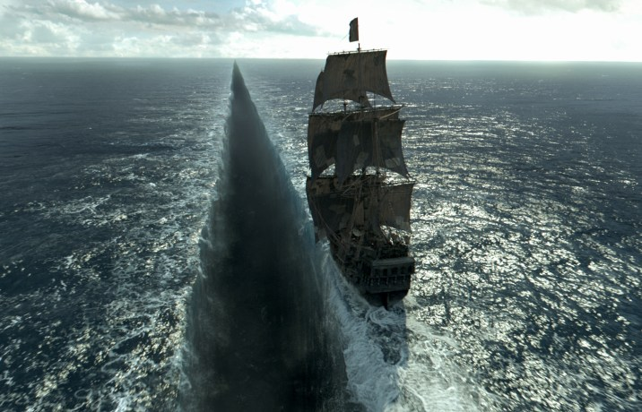 Pirates Of The Caribbean Dead Men Tell No Tales Review DisneyExaminer Sea Splitting
