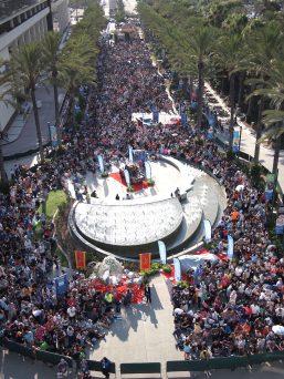 Anaheim Convention Center Opening Crowds D23 Expo 2017 DisneyExaminer