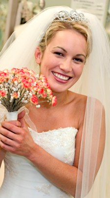 bridal-hair-style-with-tiara