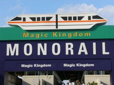 magic_kingdom_monorail_entry_arch