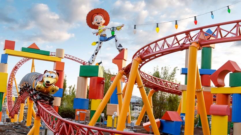 Toy-Story-Land-Slinky-Dog-Dash