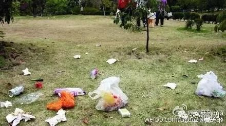 shanghai_disney_trashed6