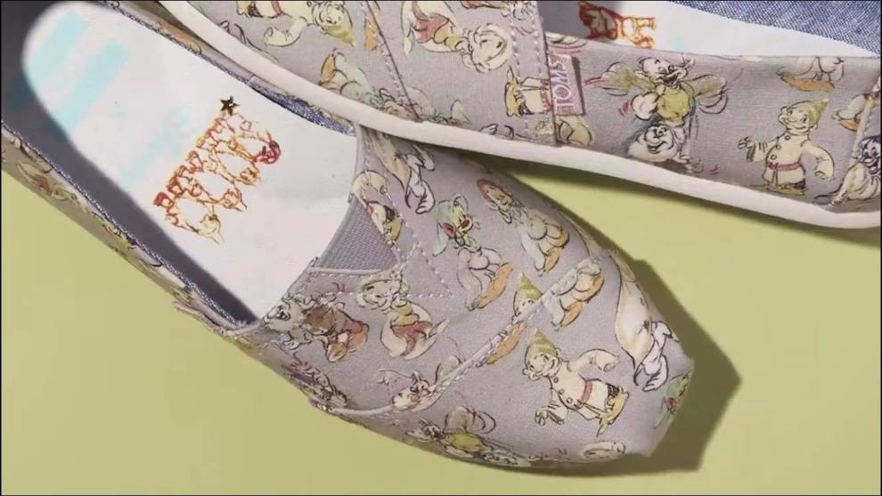 toms snow white collection
