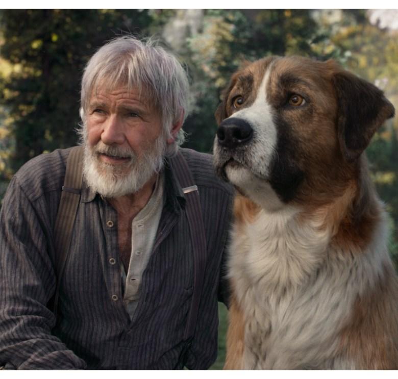 Harrison Ford y Buck en una escena de la película El Llamado de la Selva.