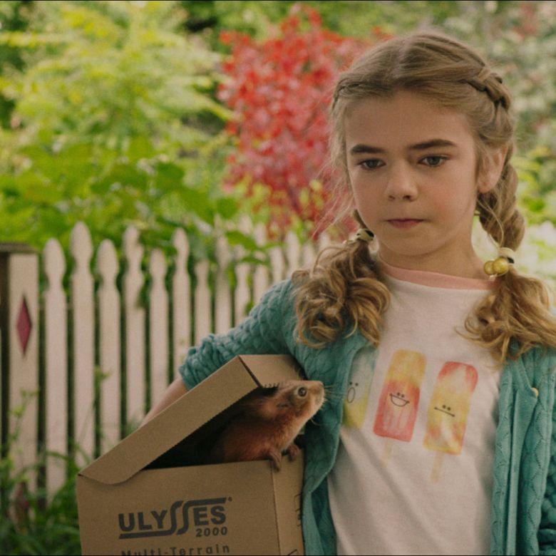 Matilda owler como Flora en la película Flora y Ulysses de Disney