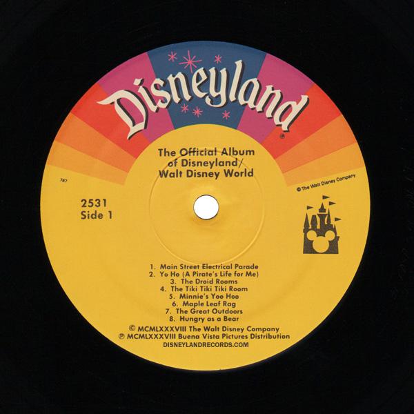 2531 The Official Album Of Disneyland Walt Disney World