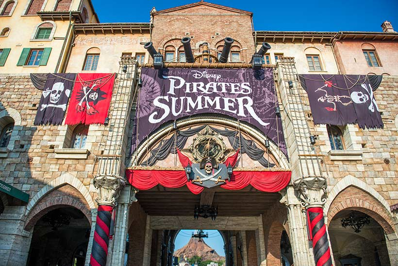 disney-pirates-summer-2