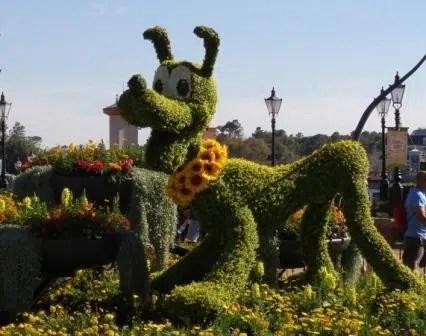 epcot flower and garden Pluto Topiary Epcot Disney