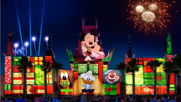 holiday nighttime show hollywood studios disney world