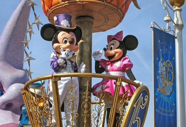25 interesting disneyland paris statistics and fun facts june 2017. Black Bedroom Furniture Sets. Home Design Ideas