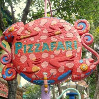 Pizzafari Restaurant  (Disney World)