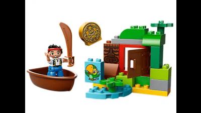 Disney Jake's Treasure Hunt LEGO Set